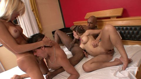 The slut, the tranny and the 2 bisex: warm atmosphere!