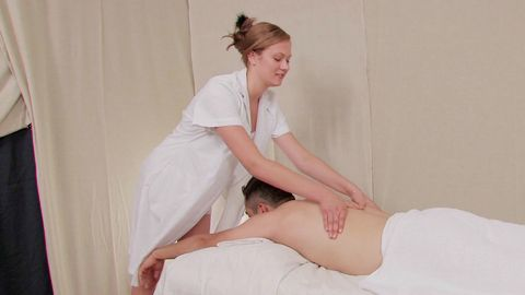 Massage vaginal pour la masseuse!