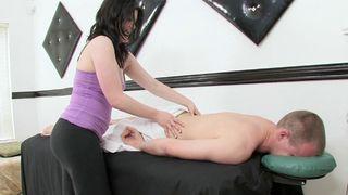 Droit au but avec la masseuse