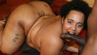 Black grassouillette à baiser sans aucune limite