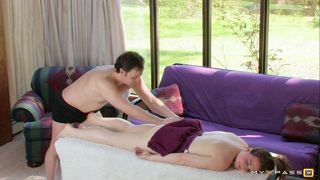 Le massage est le meilleur des excitants