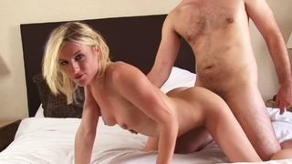 Amateur couple wants to fulfill a fantasy