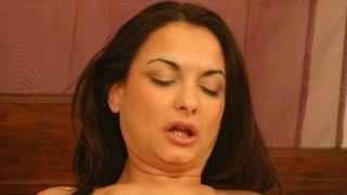 Victoria, adepte sado-maso se fait violer !